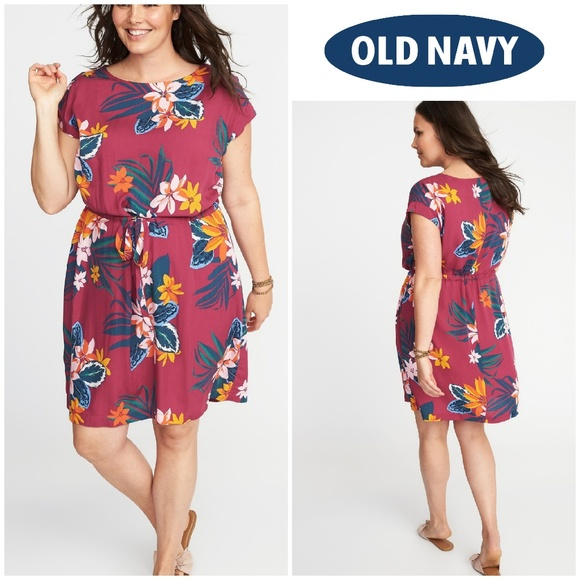 NWT Waist-Defined Print Plus Size Dress 3x NWT